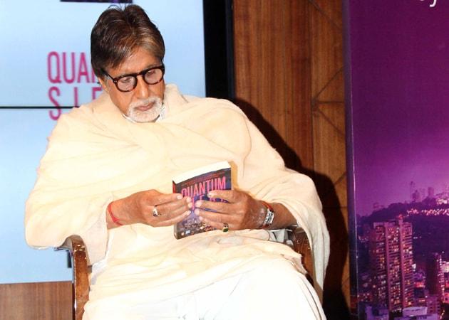 Amitabh Bachchan Unveils Mumbai Cop's Book