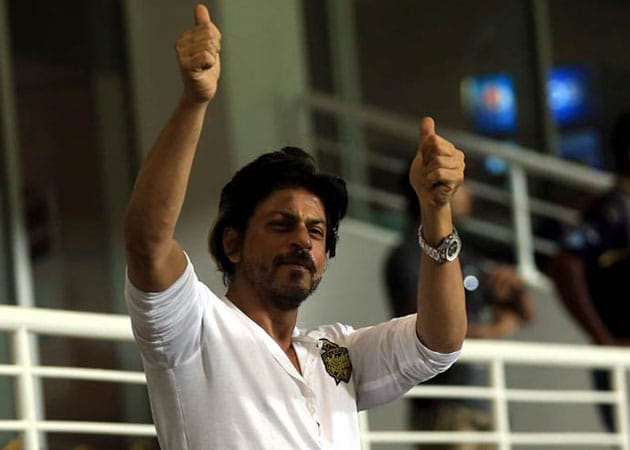 Eden's Date With Shah Rukh Khan Begins with a Lungi Dance