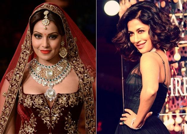 Bipasha Basu, Chitrangada Singh Add Filmy Glamour to Couture Week Finale