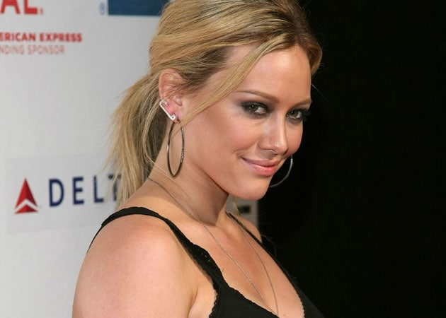 Hilary Duff's Comeback Single Chasing The Sun Leaks Online