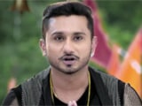 Yo Yo Honey Singh Gifts Gold Lockets to <i>India's Raw Star</i> Audition Winners
