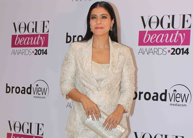 Why Did Kajol Break Down at a Recent Awards Function?