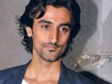 Kunal Kapoor Returns From Thailand With Bruises