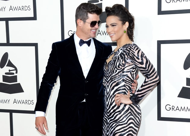 Robin Thicke Publicly Apologises to Wife Paula Patton at BET Awards