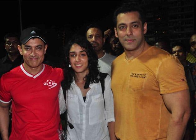 Aamir to Play Peacemaker Between Salman and Photographers?