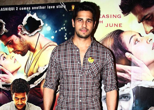 Sidharth Malhotra Spies on Ek Villain Audience