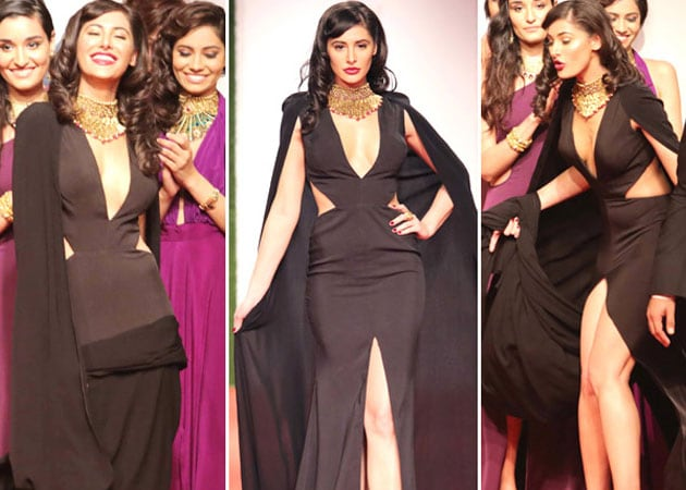 Nargis Fakhri's Wardrobe Malfunction On the Ramp