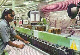 textile industry of mumbai essay However, the modern woollen textile industry started with the establishment of 'lai imli' at kanpur in 1876 it was followed by setting of woollen textile mills at dhariwal (punjab) in 1881, mumbai in 1882 and bangalore in 1886.