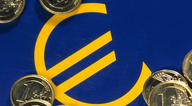 Greece debt level spikes, but Italy's dips