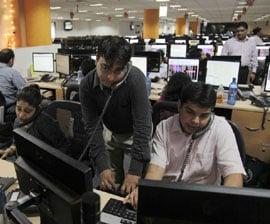 Hackers winning security war: Executives