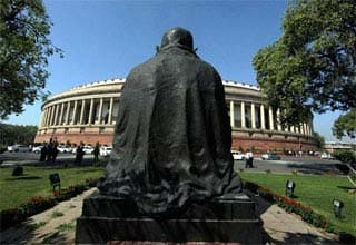 Budget 2012: Session begins today, UPA faces hostile Opposition in Parliament