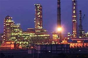 Essar Oil up 3% on completion of Vadinar refinery expansion
