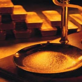 Gold falls from record; scrap flow firm