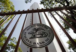 Gold loan companies pose risk to banks, warns RBI