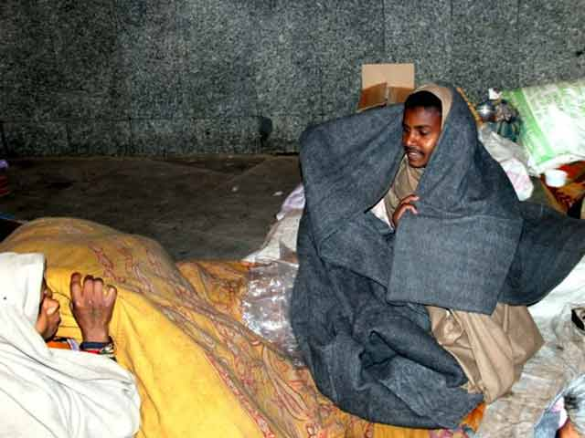 Video: Help the homeless, donate blankets