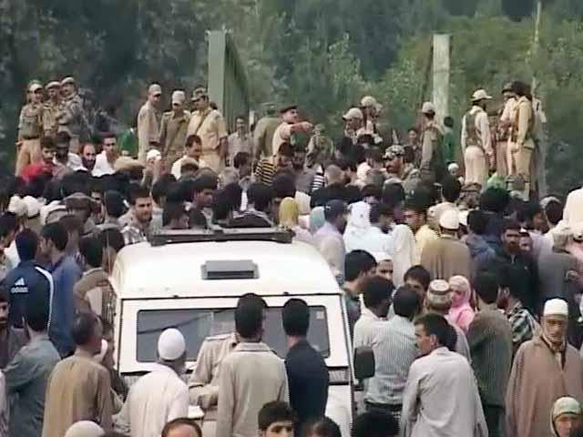Video : जम्मू-कश्मीर में मुठभेड़ में पांच आतंकी ढेर