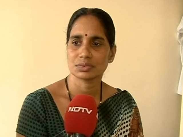 Video : Delhi gang-rape: punish according to crime, not age, says girl's mother