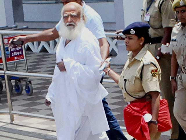 Video : Asaram Bapu brought to Jodhpur after late night arrest