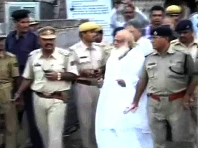 Video : Jodhpur police given custody of Asaram Bapu for a day