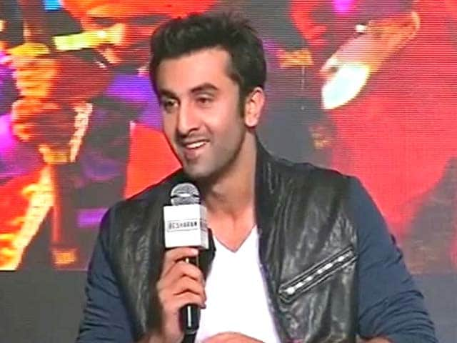 Video : Ranbir Kapoor launches <i>Besharam</i> song
