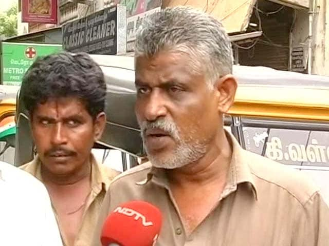 Video : Meet Murugan, rare Chennai auto driver who charges by the meter