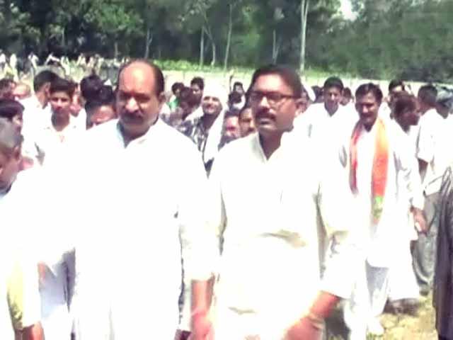 Videos : मुजफ्फरनगर : भाजपा नेताओं समेत 40 पर केस दर्ज