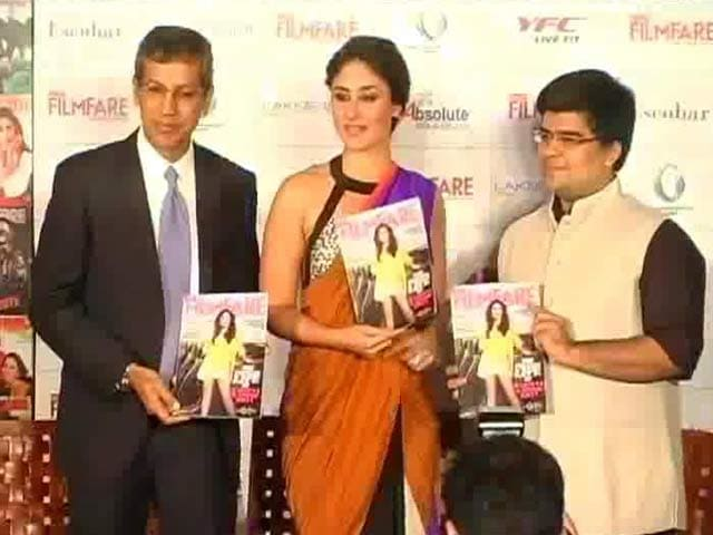 Video : Kareena unveils Filmfare magazine cover