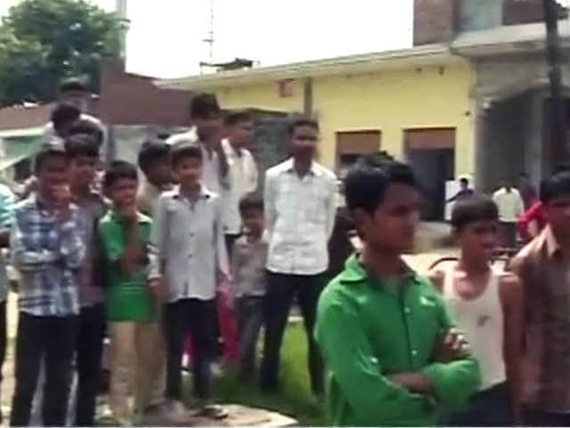 Videos : मुजफ्फरनगर : पलायन को मजबूर ग्रामीण