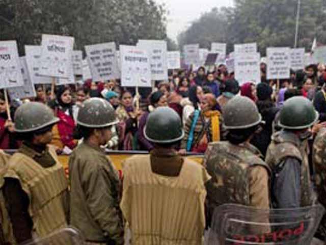 Video : Delhi gang-rape case: Death sentence or life term? India waits