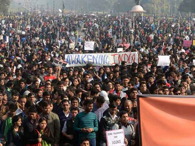 Video : Delhi gang-rape case: All four convicts sentenced to death, rarest of rare cases says judge