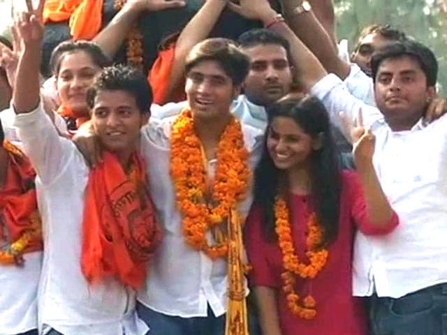 Video : BJP's student wing ABVP sweeps university polls