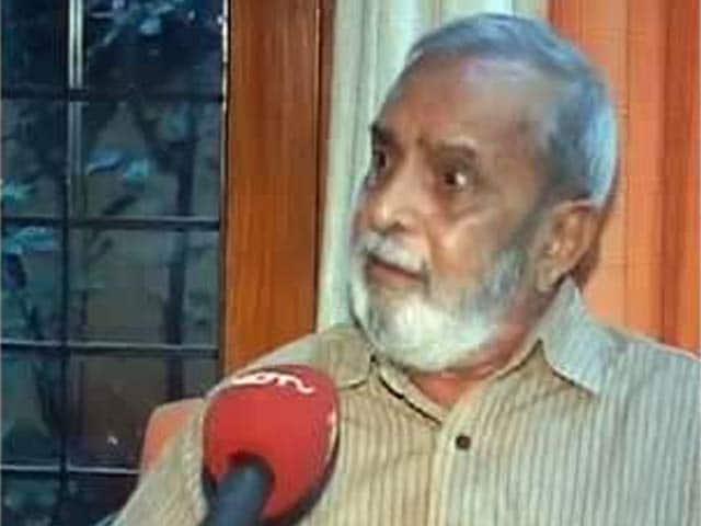 Video : BJP, noted Kannada writer in war of words over Narendra Modi