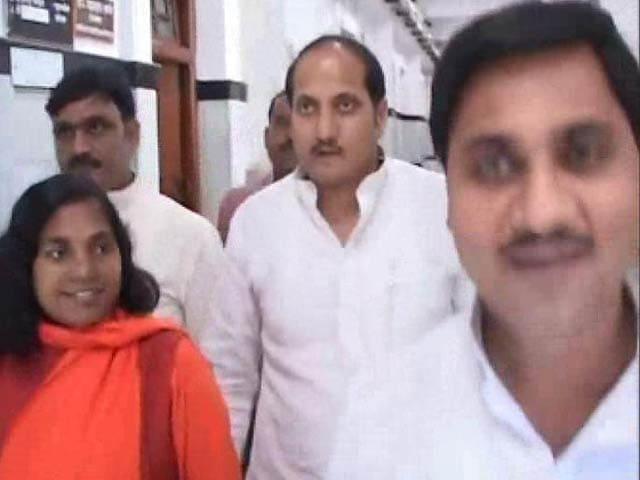 Video : First politician arrested for Muzaffarnagar riots is BJP's Suresh Rana