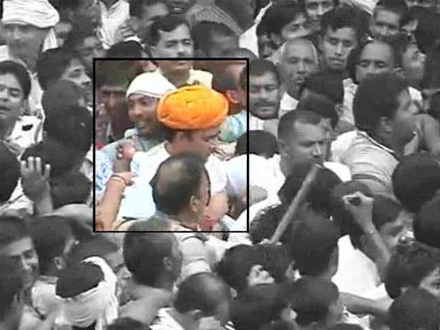 Video : Muzaffarnagar riots: BJP's Sangeet Som booked under National Security Act, 2 other legislators get bail