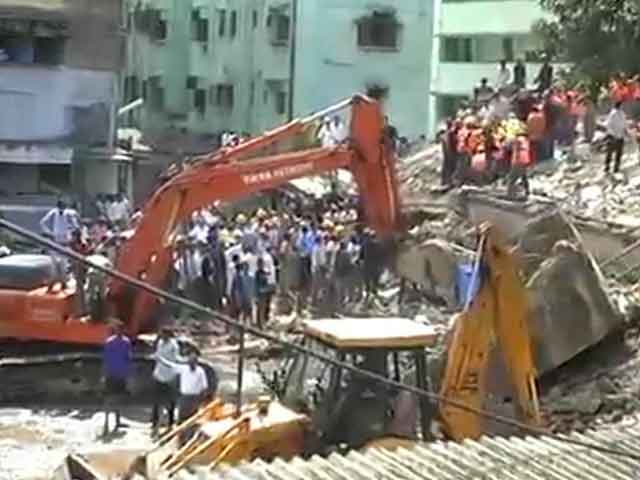 Video : Mumbai building collapse: over 50 dead, many still feared trapped
