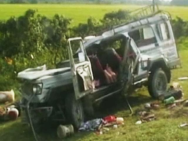 Bus-truck Accident: Latest News, Photos, Videos on Bus-truck