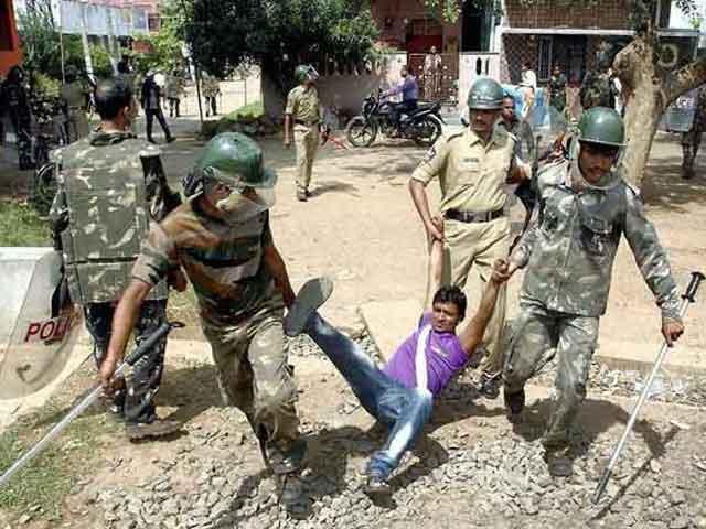 Video : Protests against Telangana, 'powerless' in Hyderabad