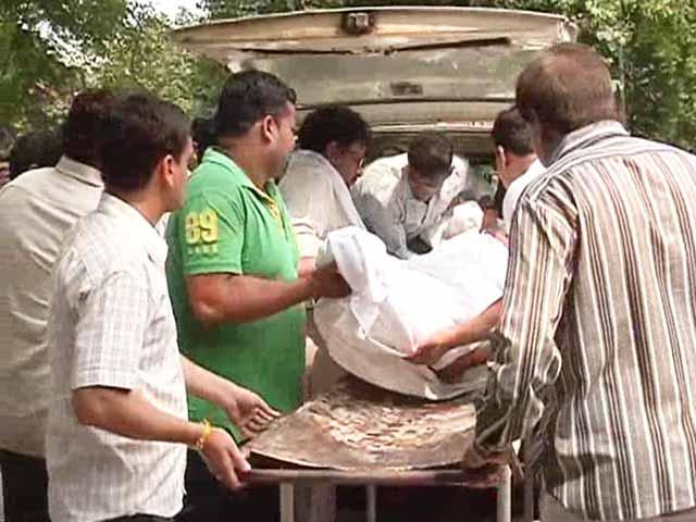 Video : Delhi University teacher who alleged sexual harassment dies of burns