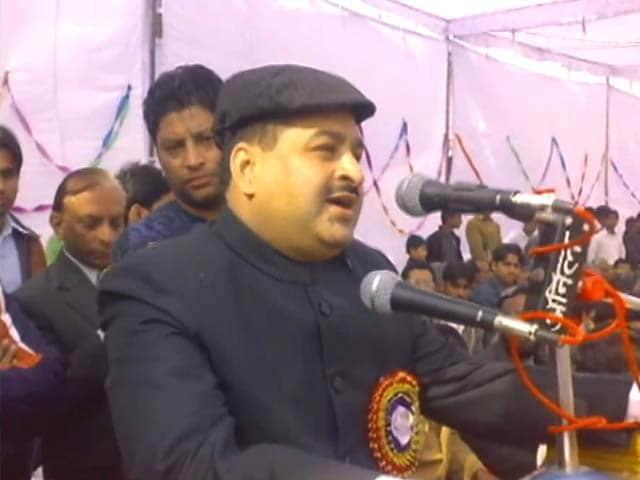 Videos : दिल्ली : बीएसपी विधायक हाजी अलीम की पत्नी का कत्ल