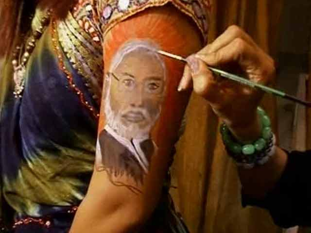 Video : Shall we dance, Mr Modi? His tattoos for this year's Garba