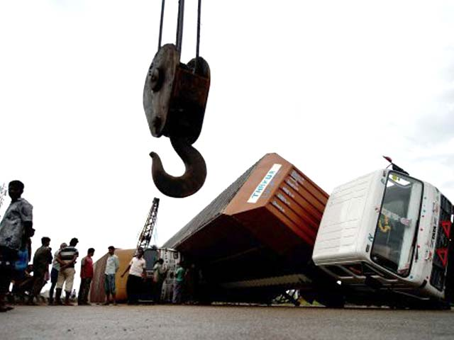 Video : Cyclone Phailin: India Met Department wins battle over forecasts