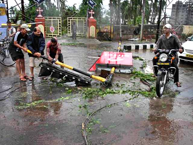 Video : Cyclone Phailin: Massive evacuation, minimum loss of life