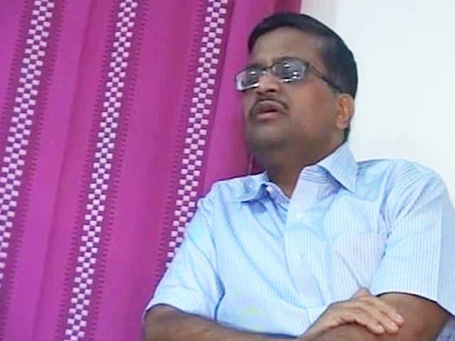 Video : For IAS officer Khemka, who took on Robert Vadra, chargesheets aplenty