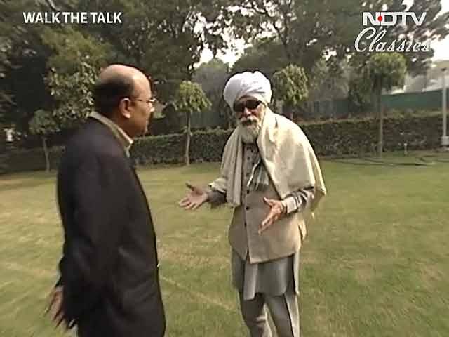 Video : Walk The Talk: Harkishan Singh Surjeet (Aired: January 2004)