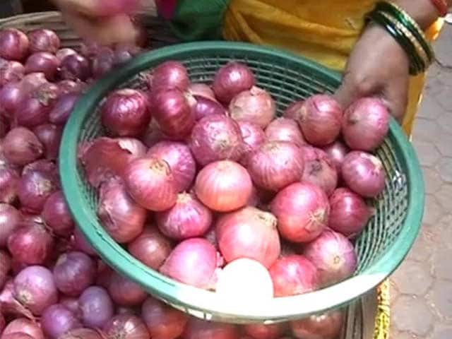 Video : As onions inch towards Rs. 100 a kg, onions make India weep