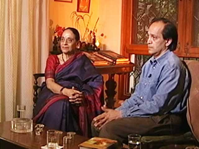 Video : Talking Heads with Vikram Seth and Justice Leila Seth (Aired: December 2005)