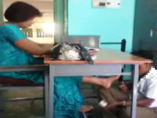 Video : Caught on camera: school teacher makes student massage her feet