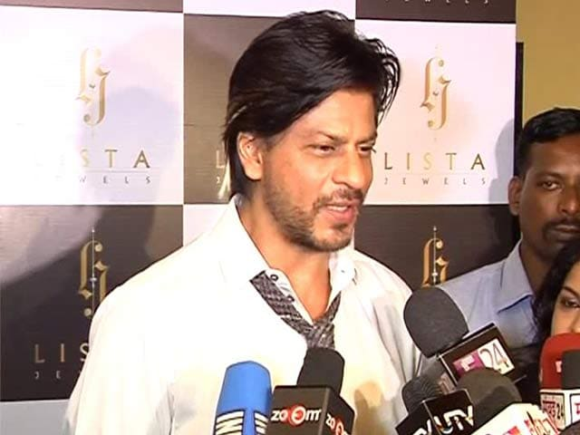 Video : Shah Rukh Khan launches a jewellery store