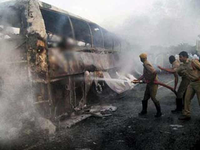 Video : 45 killed as speeding bus headed to Hyderabad catches fire