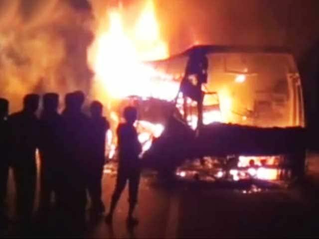 Video : इंडिया इस हफ्ते : बेंगलुरु से हैदराबाद जा रही बस में आग, 45 की मौत